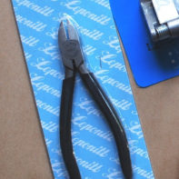 Leponitt Super Lead Dykes for nipping/ cutting lead came. The pliers are spring loaded with insulated handles for a good grip. - GlassSupplies41.com